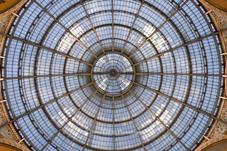 Milan's Galleria Vittoria Emanuele II, Italy
